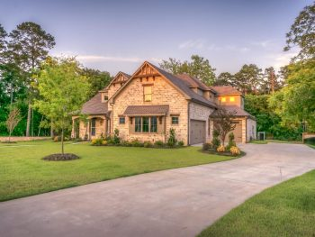 Image of house in neighborhood